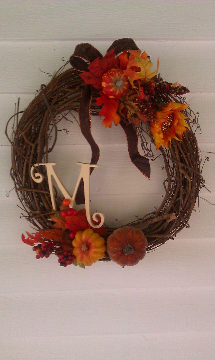 Easy interchangeable wreath for any season!