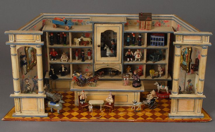 Antique Dollhouse This is what I'm talking about! More mini dollhouse/toy shops for inspiration