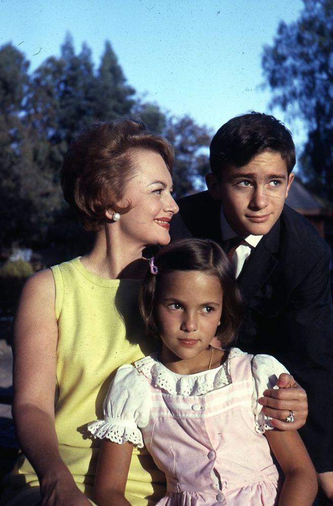 1964 OLIVIA DE HAVILLAND & FAMILY Original Slide Transparency gp