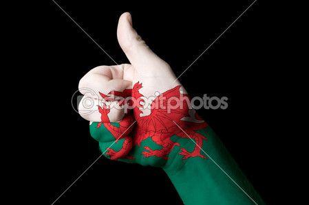 Pays de Galles drapeau national pouce vers le haut de geste pour l'excellence et perspe — Photographie vepar5 © #9884664