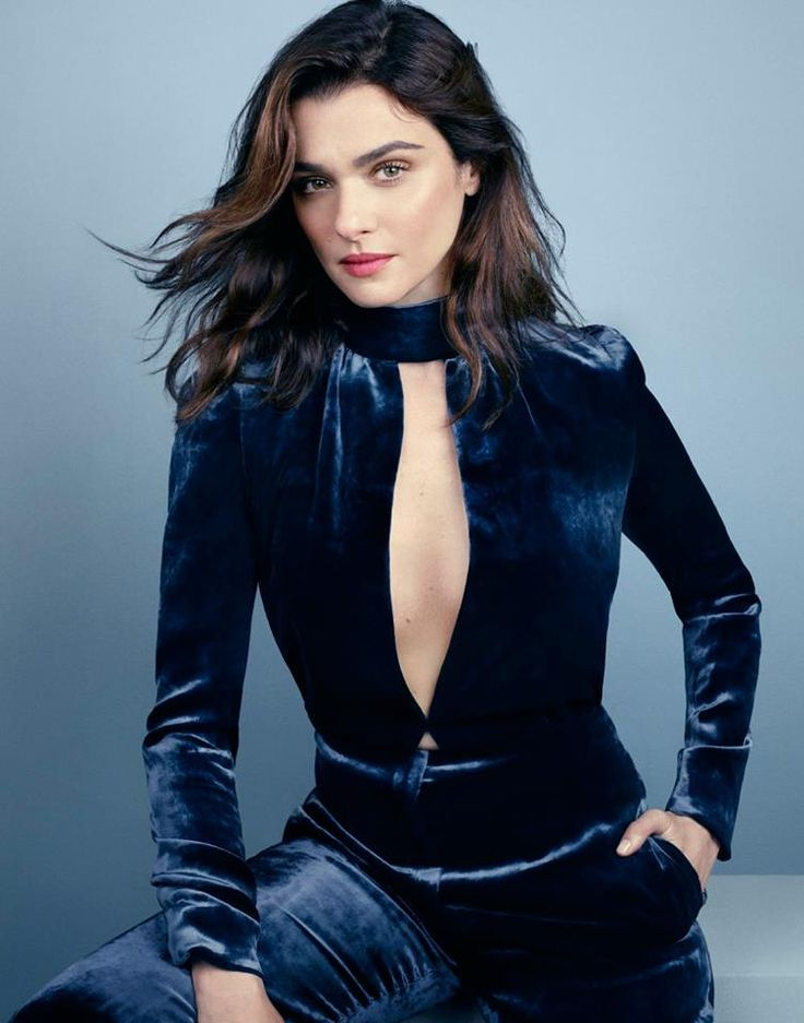Rachel Weisz by David Slijper. Sometimes I find it not so obvious if someone has cool or warm undertones in coloring. Rachel Weisz e.g. is a soft/Toned Winter and can wear a toned olive or other colors which look a lot like autumn colors.