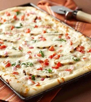 ALFREDO CHICKEN PIZZA:  ¾ lb boneless skinless chicken breast-  Freshly ground black pepper as required-  Salt to taste-  2 tbsp butter-  4 clove garlic (minced)-  1 tsp red pepper flakes-  1 tbsp all-purpose flour-  1 cup heavy cream-  ¼ cup grated Parmesan cheese-  16 oz pizza dough-  2 cup baby spinach (well washed and dried)-  1 cup grape tomatoes (chopped)-  1 cup grated mozzarella-  Olive oil for brushing crust-: Alfredo Chicken Pizza, Alfredo Pizza, Pizza Pizza, Summer Party, Pizza Recipes, Chicken Alfredo