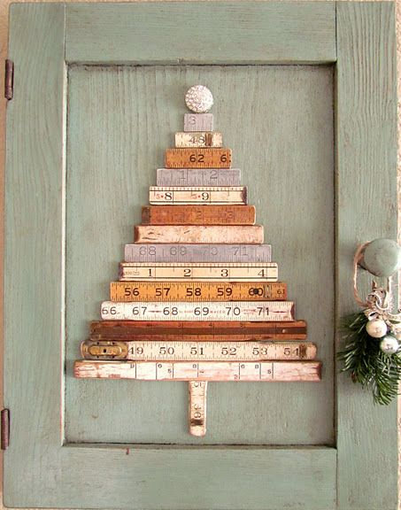 ruler Christmas tree on an old doorHoliday, Xmas Trees, Yardstick, Christmas Trees Ideas, Old Cabinets, Old Doors, Crafts, Yards Sticks, Cabinets Doors