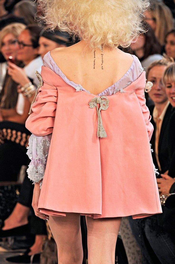 sacque back @ meadham kirchoff, spring 2012 (more frippery & foppery - http://www.vogue.com/collections/spring-2012-rtw/mmkirch/details/)