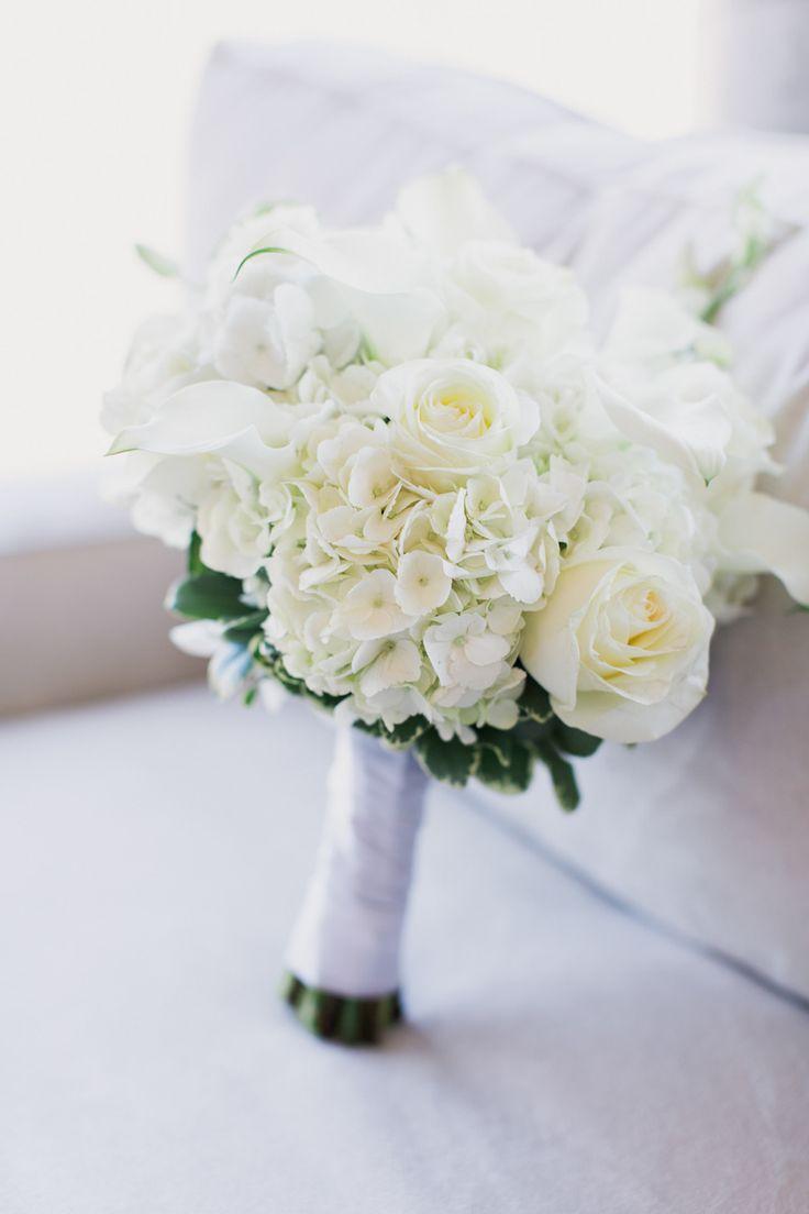Beautiful white bouquet: http://www.stylemepretty.com/2015/03/31/elegant-new-york-city-wedding-at-morningside-castle/ | Photography: Mademoiselle Fiona - mademoisellefiona.com