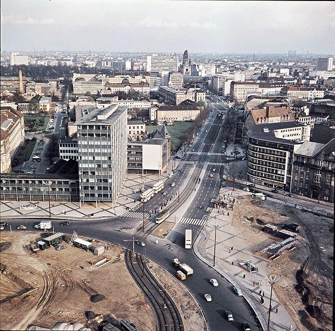 1960 West-Berlin - Ernst-Reuter-Platz, Blick vom Telefunkenhaus auf die Hardenbergstraße (Landesarchiv Baden-Württemberg Abt. Staatsarchiv Freiburg) ☺