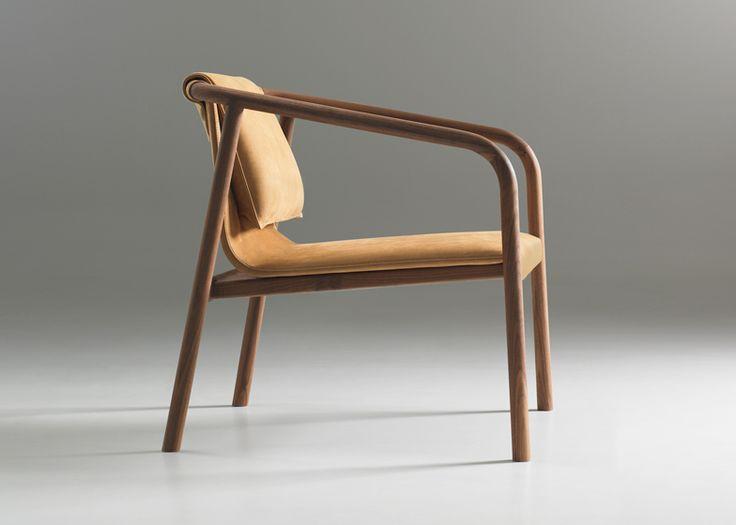 La firme de production de mobilier Bernhardt Design a demandée au collectif de designers norvégiens Angell Wyller Aarseth de concevoir un fa...