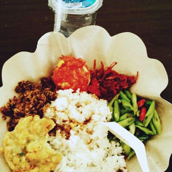 Telur Balado, Bakwan Jagung, Oseng Buncis, Bumbu Serundeng & Sambel Ulek