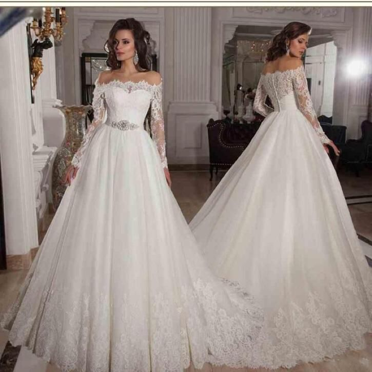 Bruidsjurk prinsessen model van kant met mooie boothals