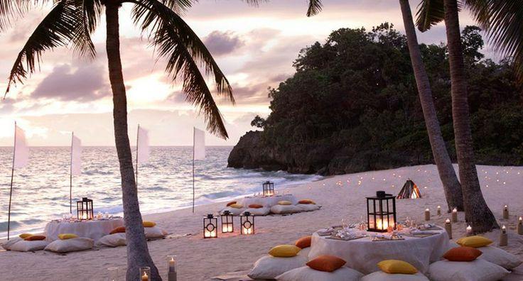 Традиционный ужин при свете факелов, национальные танцы, коктейльные вечеринки до утра на пляже White Beach