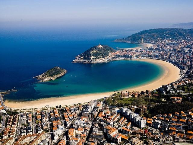 Playa de la Concha, Donostia-San Sebastián | Spain