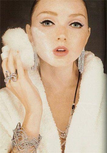 Каких ошибок в макияже можно избежать, чтобы не выглядеть старше | СПЛЕТНИК