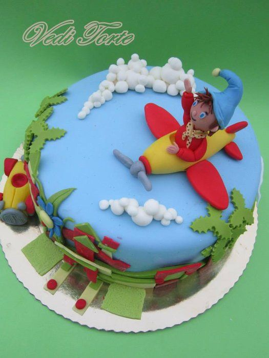 Noddy - by VediTorte @ CakesDecor.com - cake decorating website
