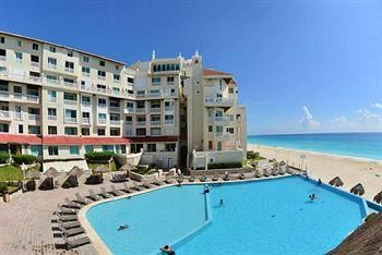 Bsea Cancún Plaza Hotel Rating: 3.0 Stars  Blvd. Kukulcan, Km. 20.5 Hotel Zone, Cancun, QROO 77500 Mexico 1-866-500-4938