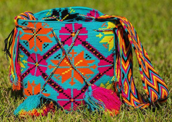 Hand made Colombian Wayuu mochila bag by HancraftsbyNatali on Etsy