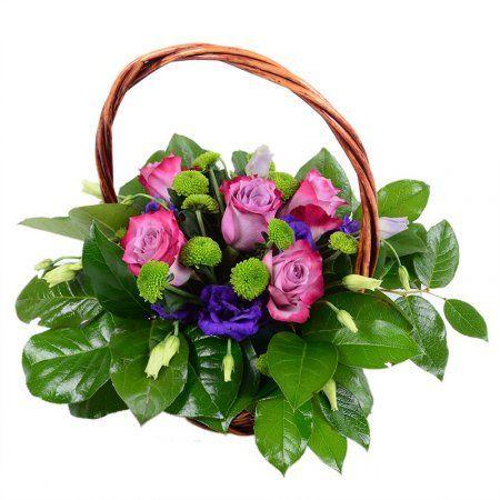 Благодаря нежному сочетанию розовых роз и фиолетовых эустом букет «Корзинка-мечта» и впрямь напоминает грезы. А ведь самые заветные должны сбываться! Подарите этот необычный букет маме, жене или любимой девушке, и Вы увидите искорки счастья в глазах дорогой женщины.