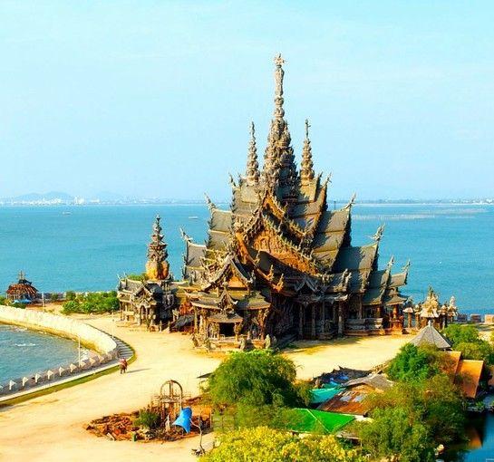 アジアのサグラダファミリア?タイの巨大木造建築「サンクチュアリ・オブ・トゥルース」 | RETRIP[リトリップ]