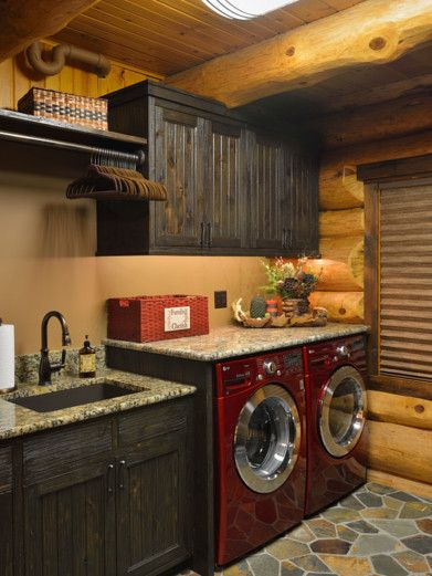 oh sweet mama.. I know I would probably never have a wash room this nice but a girl can dream cant she.. although if we build a barn house and how loving my dad is, I bet he could pull this together.