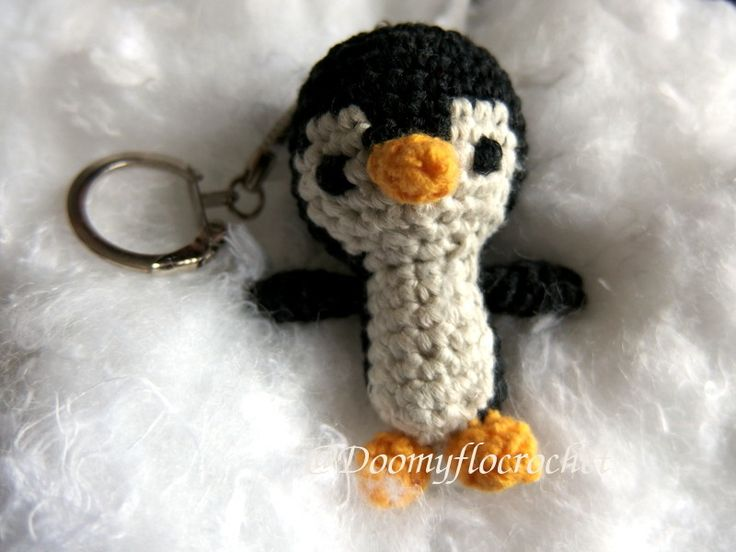 porte cl s pingouin amigurumi crochet amigurumi et crochet. Black Bedroom Furniture Sets. Home Design Ideas
