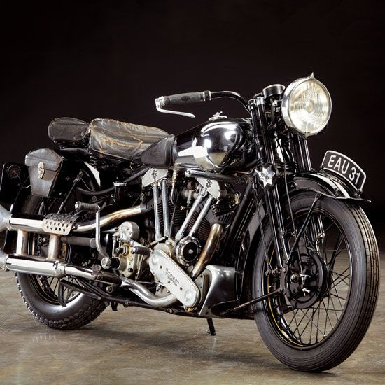 Past Perfect: The 1937 Brough Superior SS100 - Classic British Motorcycles - Motorcycle Classics