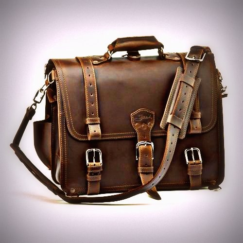 Saddleback Leather Company classic briefcase! Reminds me of Indiana Jones. #saddleback #leather #menstyle