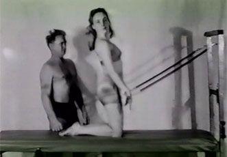 Joseph Pilates y su alumna Romana Kryzanowska
