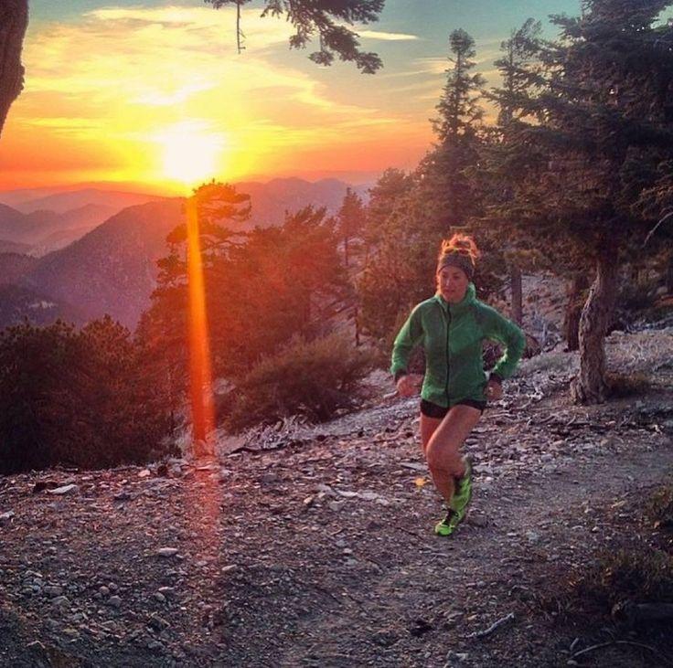 Trener Biegania - Czym jest kolka w bieganiu i jak sobie z nią radzić?