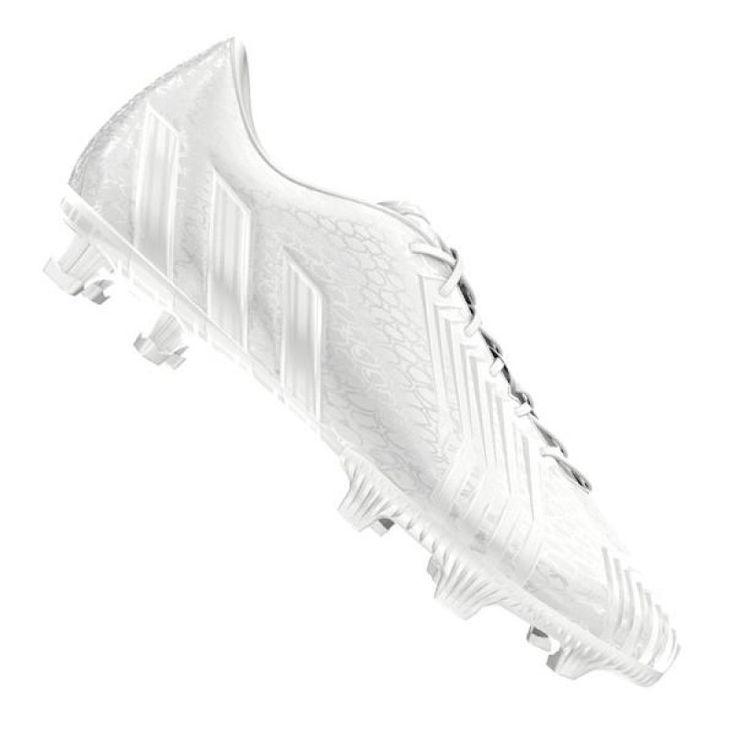 Der neue Adidas Predator Instinct Fussballschuh aus der Vault Serie präsentiert sich sehr schlicht und überzeugt durch Design und Spieleigenschaften.     Sein Name steht sinnbildlich für die tierischen Urinstinkte und wird dich zum Raubtier auf dem Spielfeld machen. Mit diesen Schuhen wirst du torgefährlicher denn je sein und deine tödlichen Pässe werden deine Gegner schwindelig spielen.    Mit diesem neuen Modell wirst du noch mehr Kraft hinter dem Ball entwickeln können, mit einer noch ...