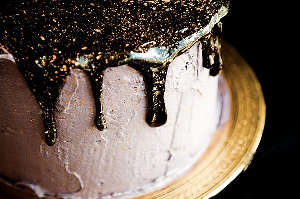 a glittery & sparkly cake