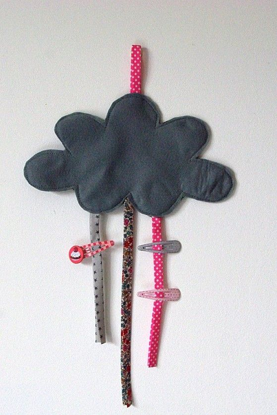 A cute and simple to make hair clip holder, would be great for Devin.