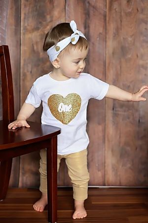 Baby Girls First Birthday Outfit, One Year Old Birthday Shirt, Glitter One Heart