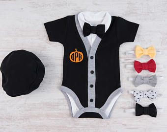 Primo Outfit di ragazzo di Halloween, Halloween 1 ° monogramma zucca Cardigan, body, cappello e papillon nero Set, Halloween bambino Boy Costume
