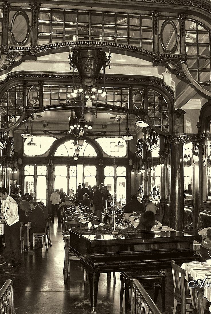 O belo Café Majestic www.webook.pt #webookporto #porto Foto de Santa Clara