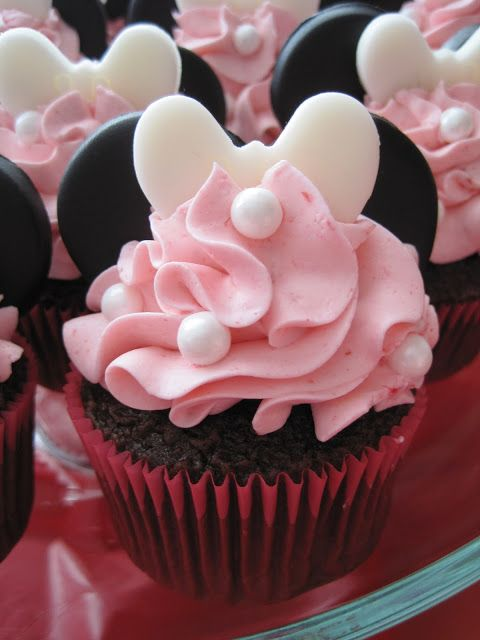 Your Happy Baker: Minnie Mouse is in the House!