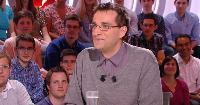 http://www.canalplus.fr/c-divertissement/c-le-petit-journal/pid6381-les-extraits.html?vid=1052687  joseph schovanec et son dernier livre