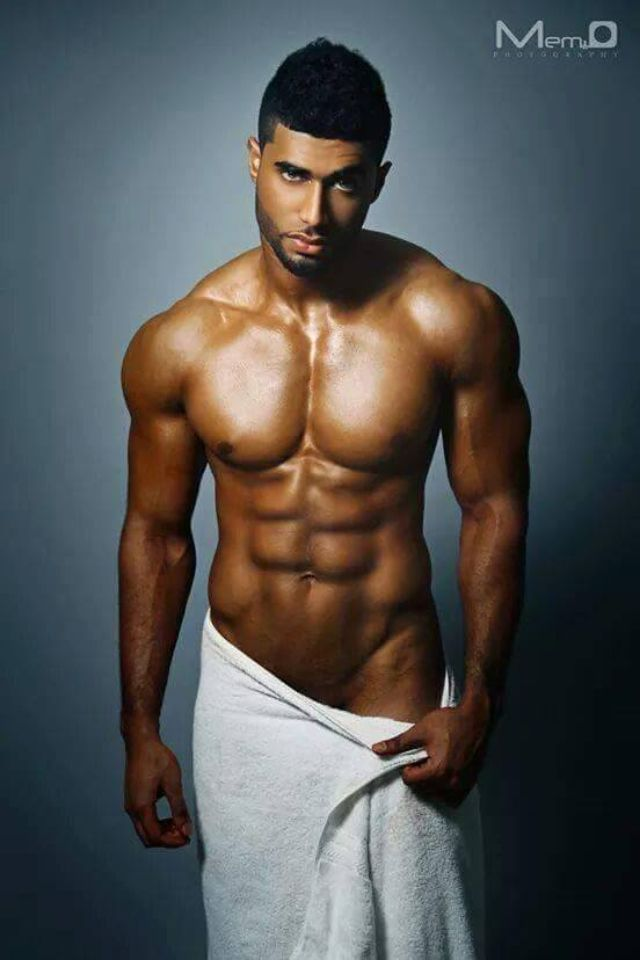 Pin On Handsome  Fit Men In Towels Or Sheets-6386