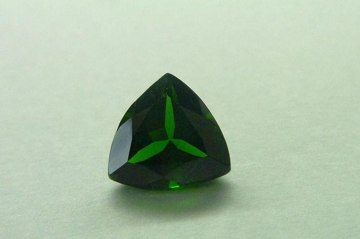 1.68 Cts Trillion Shape 100% Natural Green Chrome Diopside Loose Gemstone #KinuBabaGems