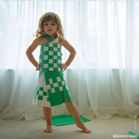 Most amazing photo series: a 4 year-old in outrageous paper dresses she makes with her mom @ 2sisters_angie: Little Girls, Young Fashion, Paper Dresses, Paper Fashion, Fashion Design, Common Cores Art, Dresses Make, 4 Years Old, Construction Paper