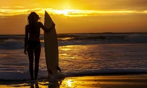Groupon - Ericeira: 1 oder 2 Wochen Wind und Wellen inkl. Surfkurs und Frühstück im Magikvanilla Guesthouse am Atlantik ab 299 € in Ericeira. Groupon Angebotspreis: 299€