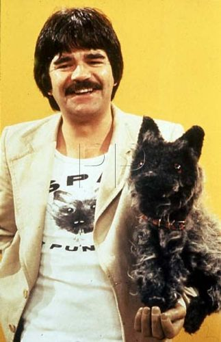 Spit the Dog and Bob Carolgees, violent puppets galore !