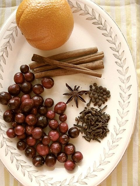 The Best Christmas Potpourri    1 orange quartered  1/2 cup fresh cranberries  3-4 cinnamon sticks broken in pieces  1 tablespoon whole cloves  1 star anise  1 1/2 teaspoon whole allspice      Put all ingredients in a saucepan and fill  the pan with water.  I use a 1 1/2 quart  saucepan.      Set burner at lowest setting.
