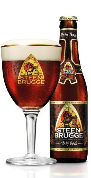 Het abdijbier STEENBRUGGE Abdij Bock is een bruin/robijnkleurig bockbier met een rondborstig karamelmoutkarakter en een fruitig, lichtgerookt gistingsaroma. In combinatie met het subtiele Brugse kruidenmengsel 'gruut', met nadruk op kaneel, geeft het dit bockbier zijn heerlijke smaak. Bier van hoge gisting.