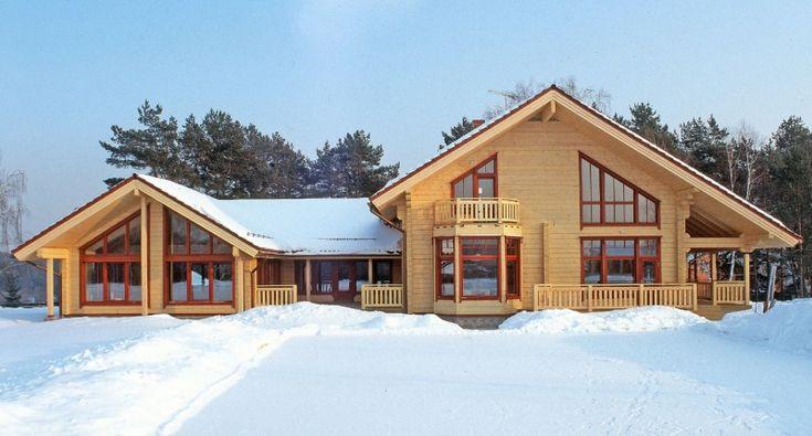Luxueuse maison en bois finlandaise – model Scandinavia avec une piscine
