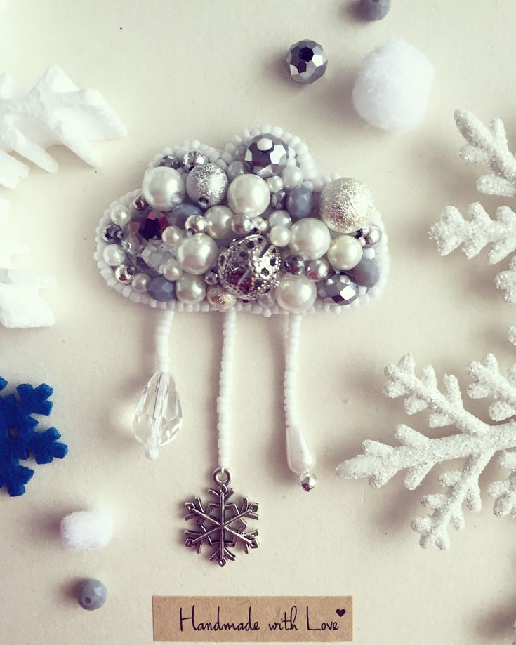 Handmaded pearl cloud brooch