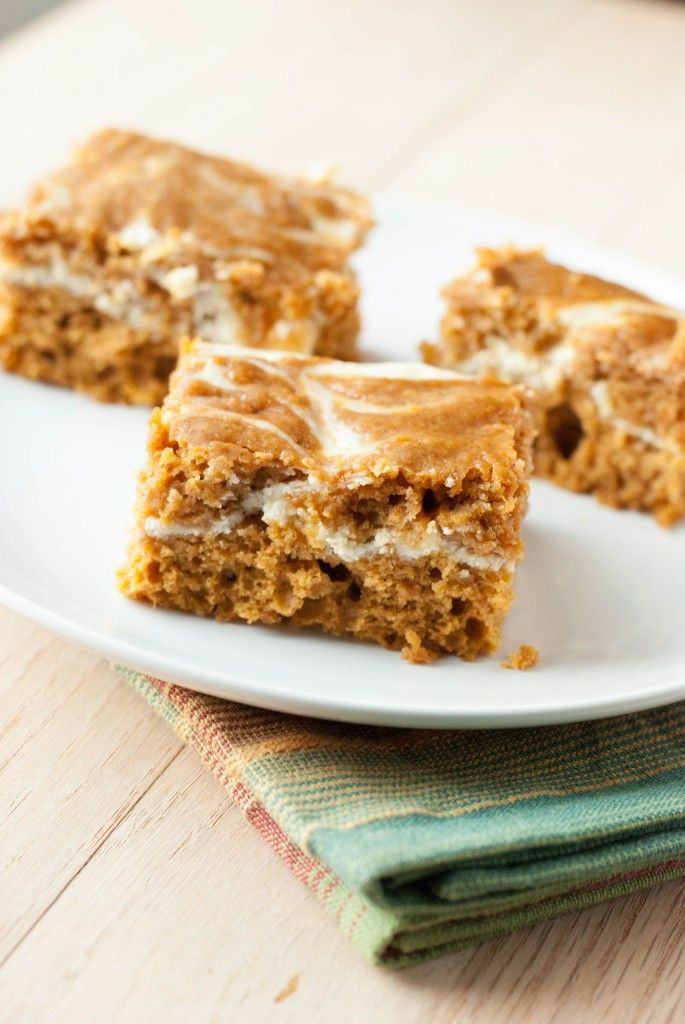 Pumpkin Roll Bars - made these and loved them!!!! Easy! Looked exactly like the picture!