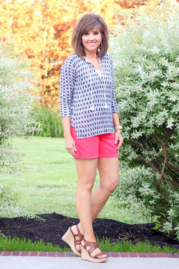 26 Days of Summer Fashion (Day 1) - Love the shorts length with the wedges