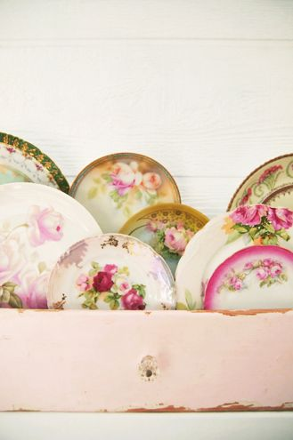 vintage plates in vintage pink drawer: Vintage Plates, Old Drawers, Antiques Sewing Machine, Shabby Chic, Vintage Floral, Vintage China, China Dishes, Vintage Rose, Old China