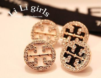Min.order is $15(mix order) Wholesale  fashion Earrings,full of Crystal black/white Acrylic stone earrings
