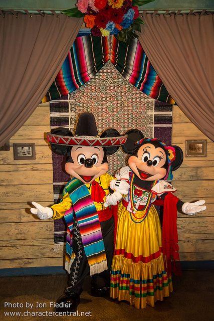 Viva Mickey Y Minnie!!!                                    DDE May 2013 - Lost River Delta Dinner