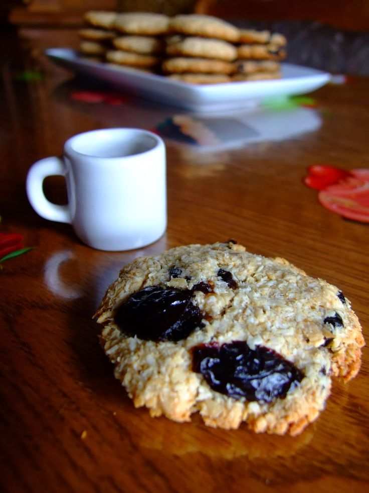 mal        Acesti biscuiti sunt cu dedicatie pentru cei care se simt vinovati cand mananca dulce. :) - GLUMESC !   I-am facut special pent...
